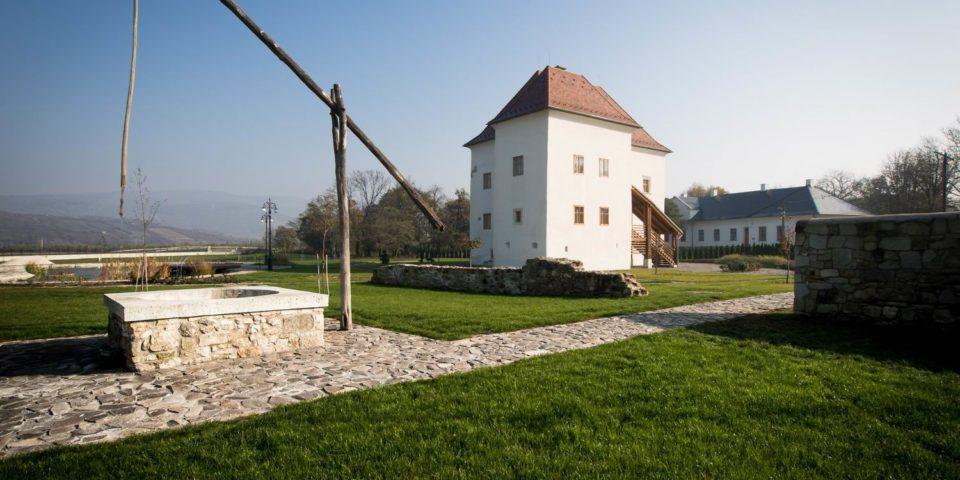 Régi Vay-kastély felújítása, Golop