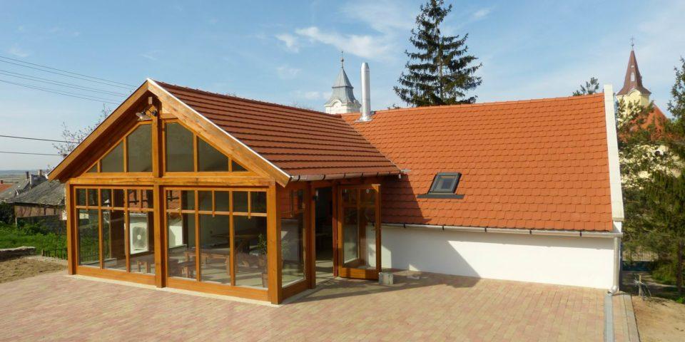 Tokaj Kikelet pincészet kóstolóépülete, Tarcal