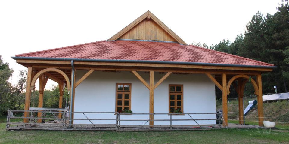 Penc, Autonóm családi otthon