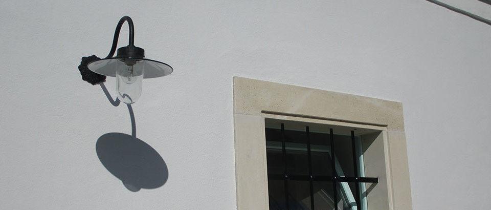 Átadták a felújított budajenői műemlék Magtárt