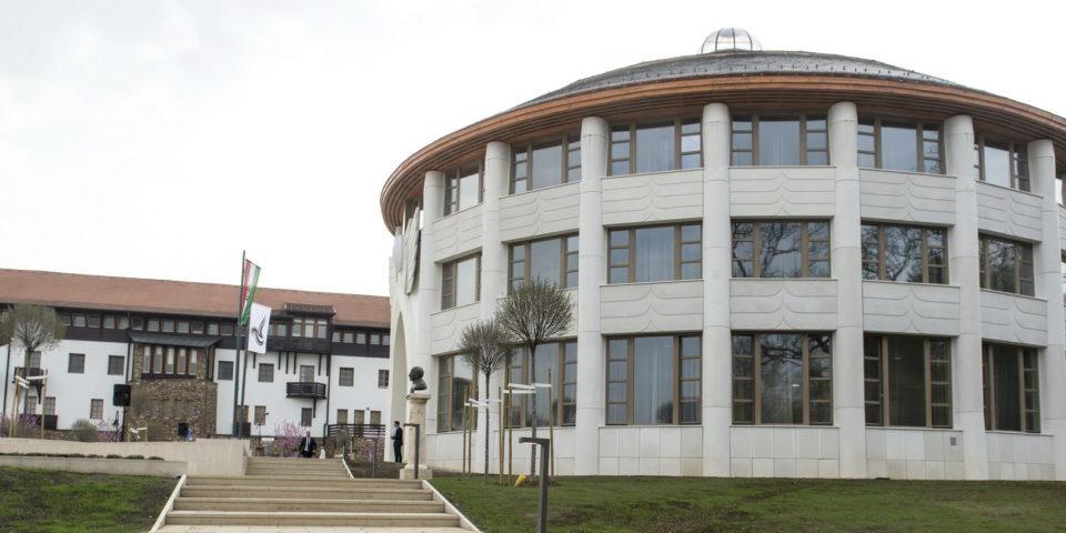 Átadták az Avicenna Közel-Kelet Kutatások Intézetét