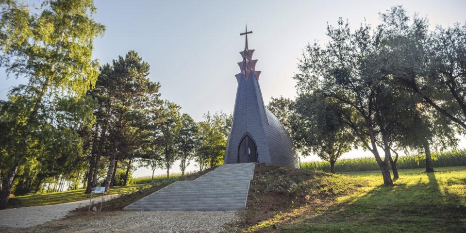 Gébárti-tó, Boldogasszony-kápolna avatása